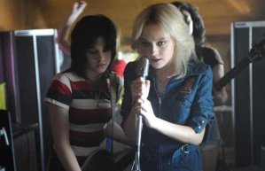 Kristen Stewart and Dakota Fanning